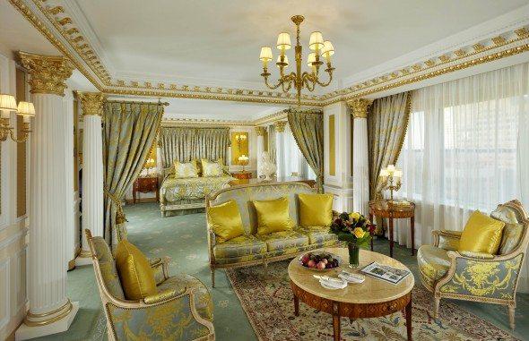 NYP_RoyalSuiteMasterBedroom