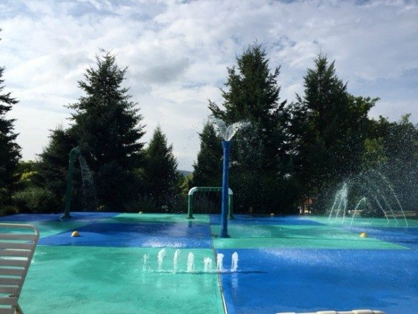 Mineral Resort Kids Swim Play