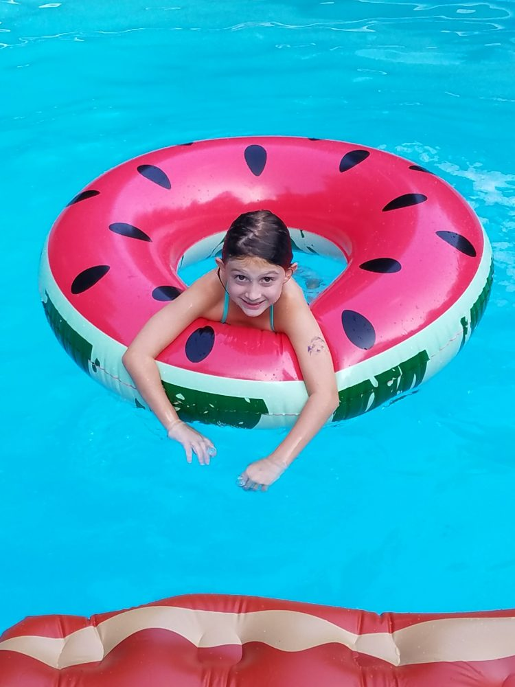 The best pool floats ever for Negative show pool horse racing